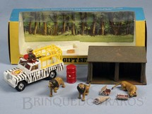 1. Brinquedos antigos - Corgi Toys - Gift Set Lions and Longleat Completo com caçador e 3 Leões Década de 1960
