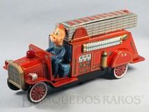 1. Brinquedos antigos - Modern Toys e Masudaya Toys - Caminhão de Bombeiro com 33,00 cm de comprimento Ano 1967