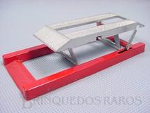 1. Brinquedos antigos - Tootsietoy - Elevador de Garagem com 14,00 cm de comprimento Década de 1950