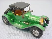 1. Brinquedos antigos - Matchbox - 1913 Cadillac Yesteryear verde metálico