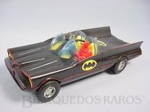 1. Brinquedos antigos - Simms Inc. - Carro do Batman Batmobile Batmóvel com 21,00 cm de comprimento Década de 1960
