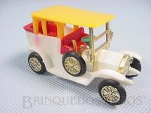 1. Brinquedos antigos - Dash - Calhambeque branco com 8,00 cm de comprimento Década de 1970