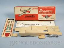 1. Brinquedos antigos - Aero-Brás - Avião Beech Bonanza de madeira balsa sólida com 20,00 cm de envergadura Década de 1960