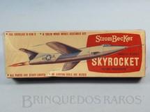 1. Brinquedos antigos - Strombecker - Avião Douglas D-558-2 Skyrocket de madeira sólida Caixa lacrada Década de 1950