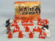 1. Brinquedos antigos - Casablanca e Gulliver - Conjunto Acampamento Apache Série Far-West Story completo com 10 Índios e 4 Cavalos Atlantic Década de 1980