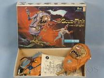 1. Brinquedos antigos - Revell - Monstro Scuz Fink pintado completo sem montar Ed Roth Década de 1960