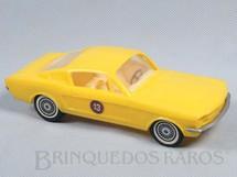 1. Brinquedos antigos - Kit Car - Ford Mustang GT Fastback amarelo com 17,00 cm de comprimento Década de 1970