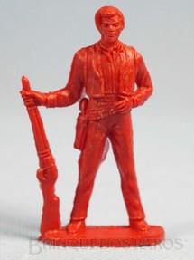 1. Brinquedos antigos - Casablanca e Gulliver - Cowboy de pé com rifle de plástico vermelho Década de 1980