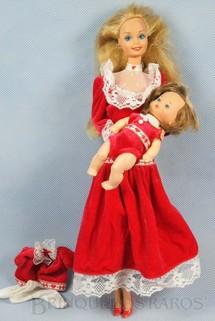 1. Brinquedos antigos - Mattel - Boneca Barbie Heart Family Serie com Bebê vestido vermelho Década de 1980