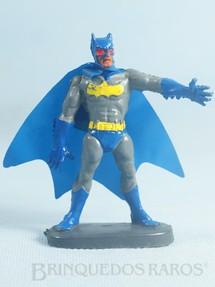 1. Brinquedos antigos - Casablanca e Gulliver - Batman de plástico pintado completo com a Capa Década de 1970
