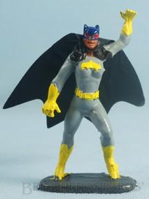 1. Brinquedos antigos - Casablanca e Gulliver - Batgirl de plástico pintado completa com Capa Década de 1970