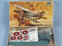 1. Brinquedos antigos - Revell - Avião Spad XIII Rickenbackers caixa mole Completo Década de 1970
