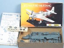 1. Brinquedos antigos - Heller - Avião Mustang P-51D N.A caixa mole Kiko Completo Década de 1970