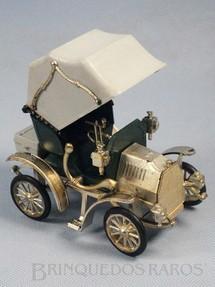 1. Brinquedos antigos - Nacoral - Mercedes Benz 1901 com 12,00 cm de altura Década de 1970