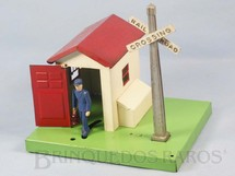 1. Brinquedos antigos - Lionel - Casa do guarda 45N Automatic Gateman Ano 1945