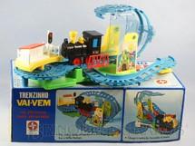 1. Brinquedos antigos - Estrela - Trenzinho Vai-Vem Década de 1980