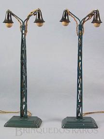 1. Brinquedos antigos - Marklin - Postes de Iluminação com duas lâmpadas 30 cm de altura Década de 1930