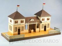 1. Brinquedos antigos - Marklin - Estação com 48,00 cm de comprimento e 26,00 cm de altura Bitola 1 Década de 1920