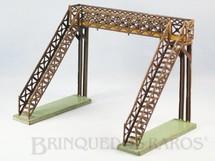 1. Brinquedos antigos - Sem identificação - Passarela com 21,00 cm de altura Década de 1920