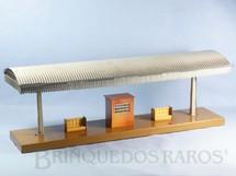 1. Brinquedos antigos - Marklin - Plataforma de Embarque com 56,00cm de comprimento e 20,00 cm de altura Bitola 1 Década de 1930