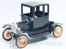 1. Brinquedos antigos - Atma - Calhambeque Ford T 1911 Vovomóvel com 19,00 cm de comprimento Movimento por Elástico Década de 1960