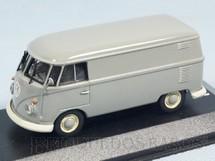 1. Brinquedos antigos - Minichamps - Volkswagen Kombi modelo furgão Década de 1960