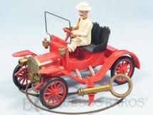 1. Brinquedos antigos - Revell - Calhambeque Maxwell 1913 vermelho com motorista branco 19,00 cm de comprimento Década de 1950