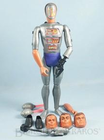 1. Brinquedos antigos - Kenner - Boneco Maxistron Homem de Seis Milhões de Dólares The Six Million Dollar Man Ciborg Completo com 8 Itens Ano 1974