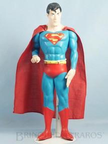 1. Brinquedos antigos - Sem identificação - Boneco do Super Homem com 39,00 cm de altura Capa de tecido Datado 1988