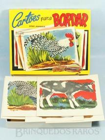 1. Brinquedos antigos - Coluna - Conjunto Cartões Para Bordar Década de 1960