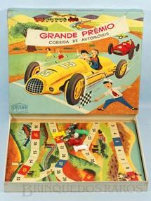 1. Brinquedos antigos - Coluna - Jogo Grande Prêmio Corrida de Automóveis completo com 4 carrinhos de plástico Década de 1960