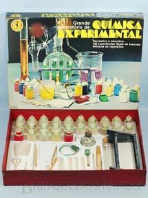 1. Brinquedos antigos - Guaporé - Grande Laboratório de Química Experimental completo com 25 Frascos de Plástico Década de 1970
