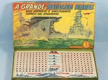 1. Brinquedos antigos - Guaporé - Jogo A Grande Batalha Naval Caixa assinada Kraus Década de 1960