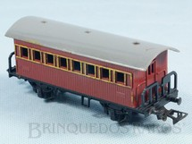 1. Brinquedos antigos - Atma - Carro de Passageiros marrom com dois eixos Década de 1970