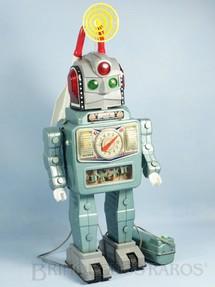 1. Brinquedos antigos - Alps - Robot Rocket Man com dois foguetes 27,00 cm de altura Ano 1963