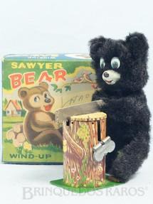 1. Brinquedos antigos - T.N. - Urso serrando lenha Sawyer Bear com 14,00 Cm de altura Década de 1960