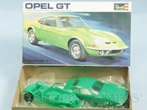 1. Brinquedos antigos - Revell - Carro Opel GT Década de 1970