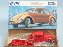 1. Brinquedos antigos - Revell - Carro Volkswagen Sedan Década de 1970