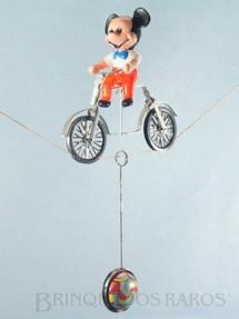 1. Brinquedos antigos - Estrela - Mickey Equilibrista com 9,00 cm de altura Walt Disney Década de 1960