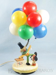 1. Brinquedos antigos - Sem identificação - Abajour infantil com duas lâmpadas 45,00 cm de altura de madeira e plástico assoprado Década de 1970