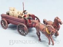 1. Brinquedos antigos - Casablanca e Gulliver - Carroça Casablanca Aberta com dois cavalos e Cowboy Carroceiro numerado 126 Cavalos numerados 178 e 179 Rodas numeradas 174 e 175 acompanham 5 Sacos de Aniagem e 2 Barris Primeira Série Ano 1965