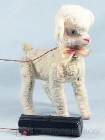 1. Brinquedos antigos - Sem identificação - Carneiro com 26 cm de altura Movimentos com controle remoto via cabo Década de 1960