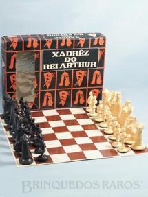 1. Brinquedos antigos - Casablanca e Gulliver - Jogo Xadrêz do Rei Arthur completo com tabuleiro Perfeito estado Ano 1977
