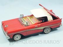 1. Brinquedos antigos - Kosge - Ford Fairlane 500 Skyliner 1958 Conversível com 23,00 cm de comprimento Recolhe a capota Década de 1960