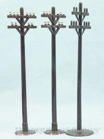1. Brinquedos antigos - Marx - Postes Elétricos com 18,00 cm de altura Década de 1960 Preço por unidade