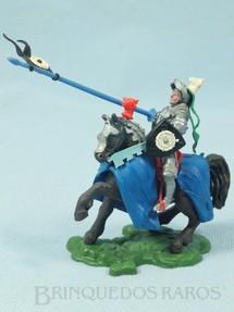 1. Brinquedos antigos - Britains - Cavaleiro Medieval a cavalo com Lança e Escudo Série Swoppet Knights Posição de Defesa completo Perfeito estado Década de 1960