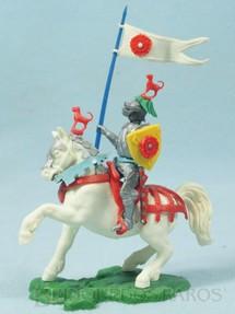 1. Brinquedos antigos - Britains - Cavaleiro Medieval a cavalo com Estandarte e Escudo Série Swoppet Knights completo Perfeito estado Década de 1960