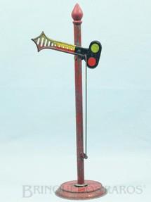 1. Brinquedos antigos - Metalma - Sinaleiro com 26,00 cm de altura Mudança por alavanca Década de 1950