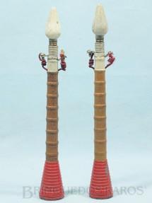 1. Brinquedos antigos - Resal - Postes de iluminação pública 20,00 cm de altura Década de 1930 Preço por unidade