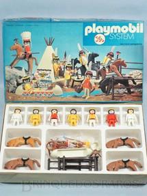 1. Brinquedos antigos - Trol - Playmobil Acampamento Apache com sete Bonecos quatro Cavalos e acessórios Incompleto Década de 1980